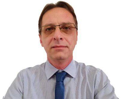 Emerson Souza Gomes, advogado especialista em direito empresarial, sócio da Gomes Advogados Associados, email emerson@gomesadvogadosassociados.com.br, fone (47) 3444-1335