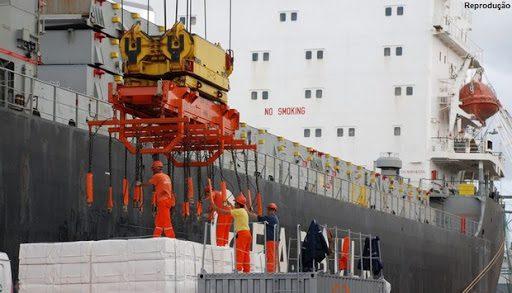 Trabalhadores portuários avulsos também têm direito a adicional de risco