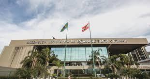 TPA: constituição do Estado de Santa Catarina não pode limitar competência tributária dos Municípios