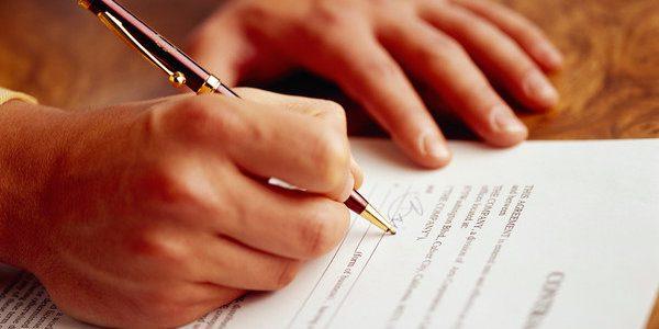 Quem adquire um estabelecimento, adquire também os contratos